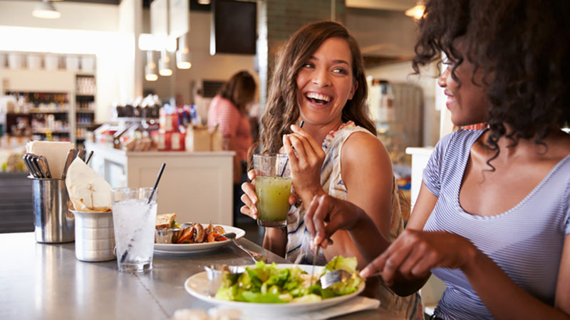 10 consejos para comer sano fuera de casa